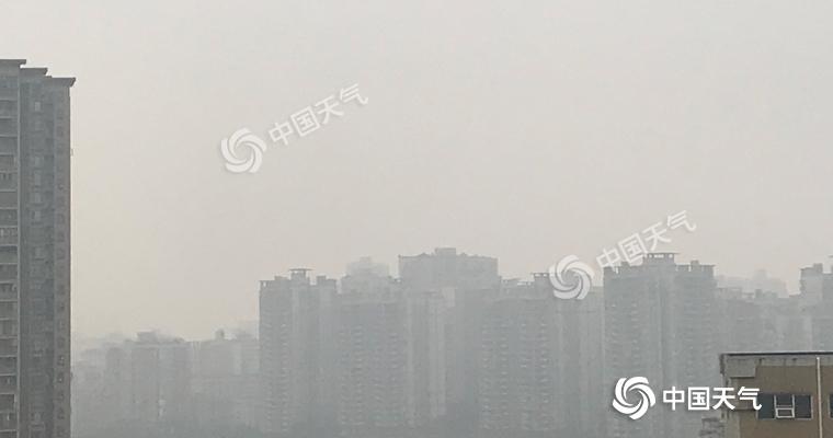 今晨重庆多地出现大雾天气 多条