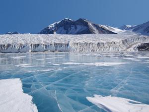 科学家在西南极洲冰盖下钻洞超两千米