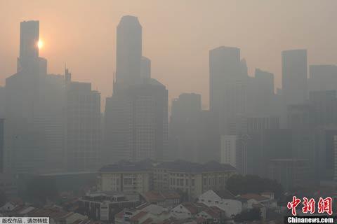 新加坡因印尼林火导致烟霾加剧 污染达史上最高