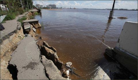 俄远东水灾或致近10万人被疏散 损失超20亿卢布