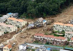 日本广岛暴雨引发泥石流