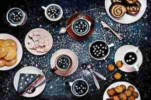 餐桌带你遨游太空