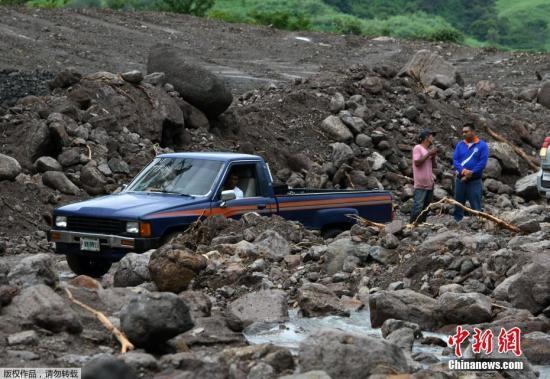 """""""纳特""""加强为飓风 已经导致中美洲28人死亡"""