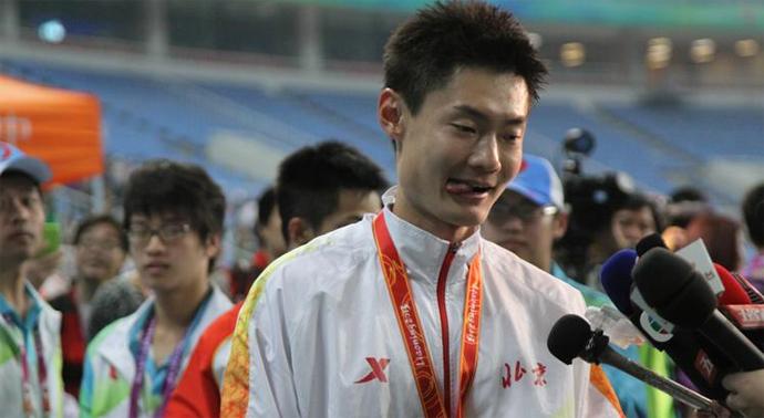 """9月8日,100米决赛张培萌摘金,飞人表示:""""很喜欢这种苹果彩票pk10""""。"""