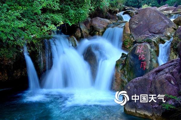 湖北京山绿林山风景区:峰俊溪秀谷幽洞奇林珍