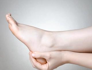 半夜脚抽筋未必是缺钙
