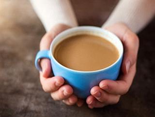 """这样喝咖啡,当心变""""小黄人"""""""