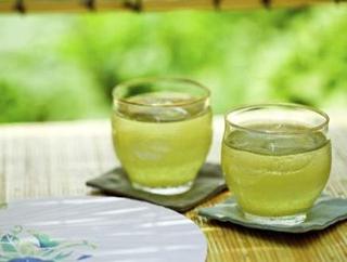 胃不好 夏天少喝点绿茶