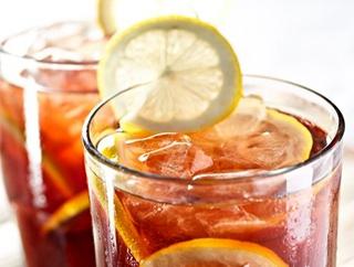 夏季喝冷饮更容易中暑
