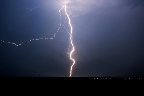 如何防范强对流天气?