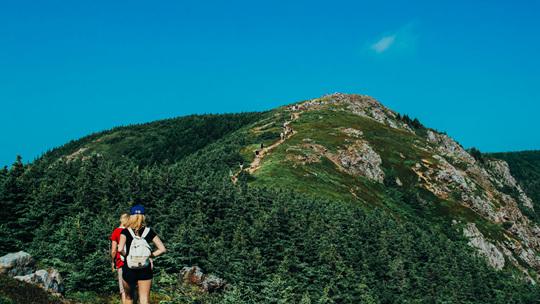 秋高气爽登山去 几个小技巧你需要知道