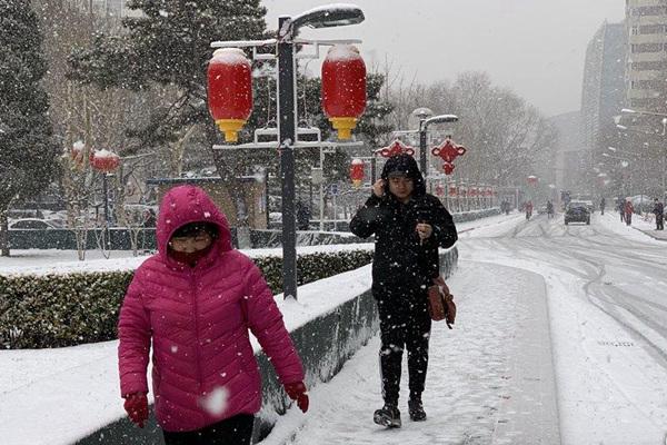 降雪覆盖北方11省份 南方雨一直下