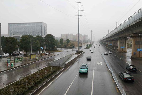 江南大部周日雨水暂歇 北方气温继续攀升