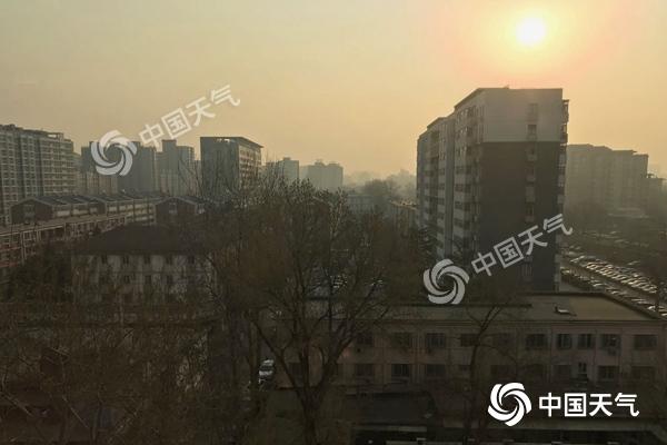 北京今天最高温达25℃ 明后天风雨将至累积降温11℃