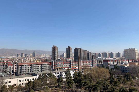 内蒙古大部气温回暖大风吹 火险等级高