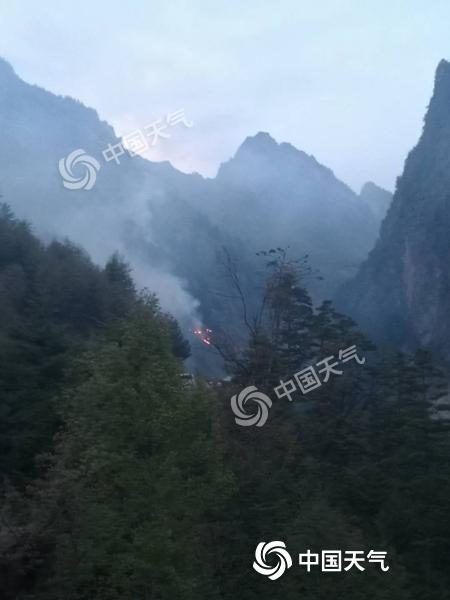 甘肃省甘南州迭部县唐卡林场突发森林火灾