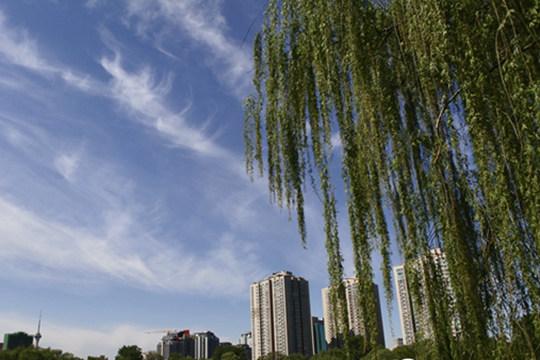 京津冀沖擊30℃ 4日南北方多降雨