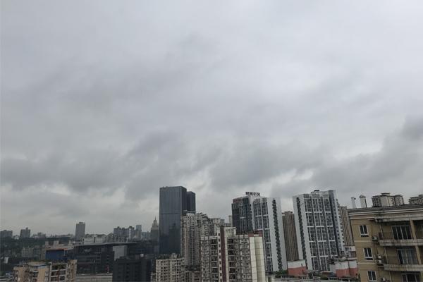重庆昨日现大暴雨 今明仍有暴雨需防地质灾害