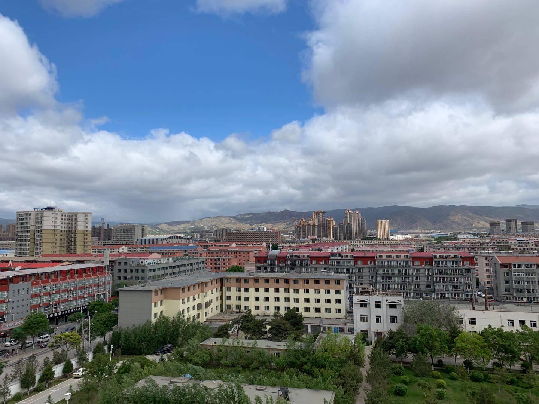内蒙古风雨齐袭 最高气温猛降10℃明日气温明显回升