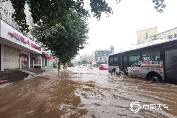 安徽遭特大暴雨袭击 今天仍有强降雨黄山等地局部大暴雨
