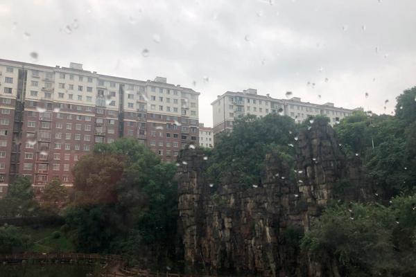 入汛来最大范围强降雨来袭 前后两轮持续至12日