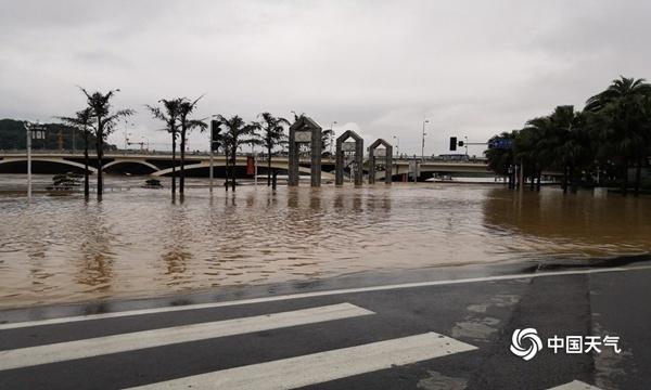 南方多地遭今年最强降雨过程 已致32人死亡 13人失踪