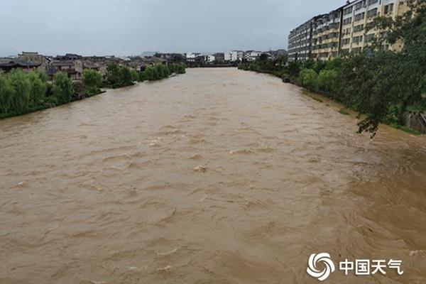 """南方新一轮强降雨""""踏上征程"""" 【贵州等8省区】局地有大暴雨"""