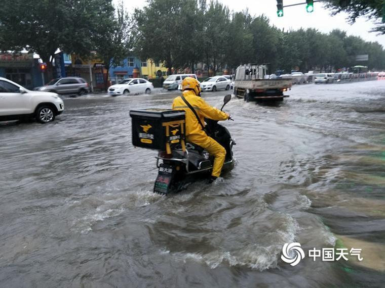 """""""罗莎""""助力东北降雨不歇 南方4省市仍是高温核心区域"""