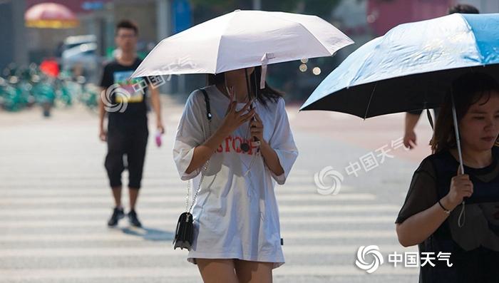 """台风""""玲玲""""东北狂洒水 华西秋雨再起"""