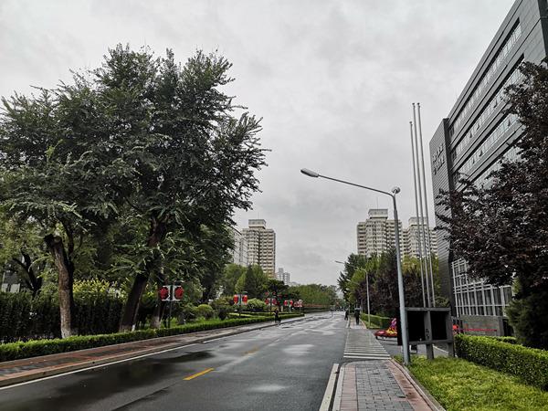 长江以北多地降温超10℃ ?西南地区多阴雨