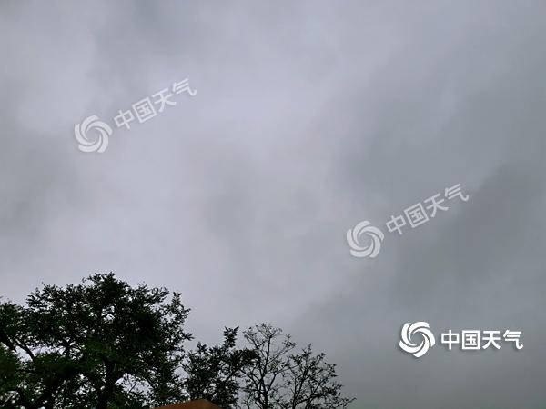 湖南今起三天气温低迷 阴雨不断体感凉意十足