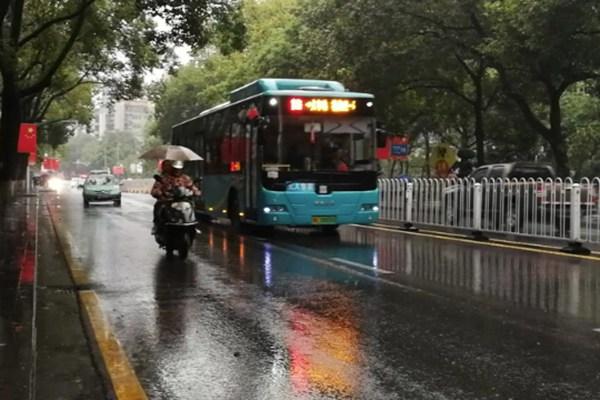 南方多阴雨 江南多地气温将创下半年新低
