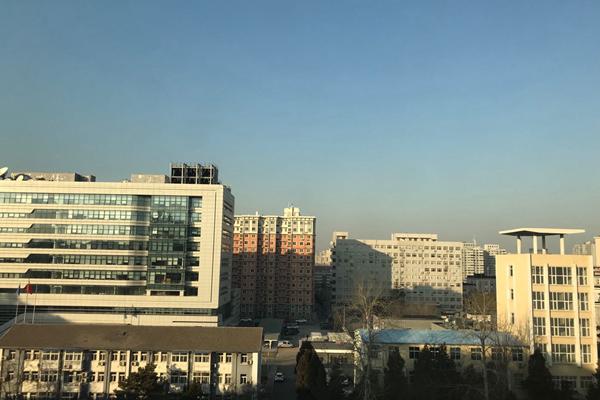 中东部雨雪少气温升 华北黄淮等地霾再起