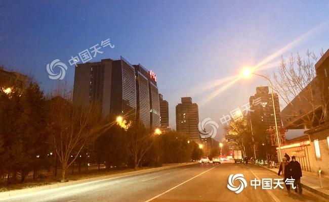 """寒冷中迎小年 北京""""四九""""小幅升温"""