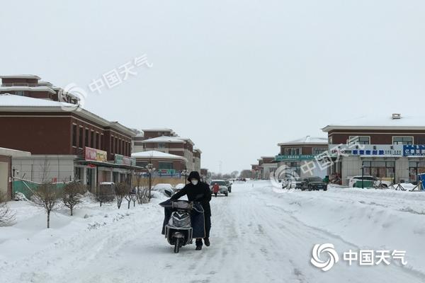寒潮横扫内蒙古降雪不断 世界杯手机投注网站暴跌降温幅度可达20℃