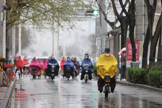 """雪!冷空气周末也""""在岗"""" 江苏苏南等地气温低迷有雨雪"""