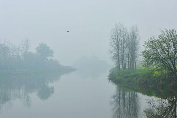 华南今明暴雨连连 北方近期气温频繁波动