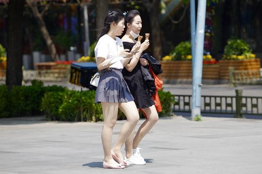 华北黄淮将迎今年首个高温 明起南方降雨再度发展