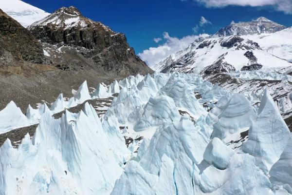 """抓住""""好天气""""窗口 气象助力珠峰测量登山队成功登顶!"""