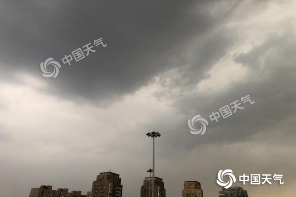 降雨覆盖晚高峰!北京傍晚到夜间有雷阵雨天气 局地有6至7级大风