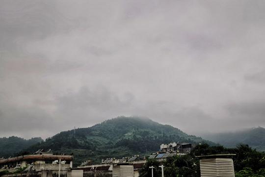 新一輪強降雨今日達鼎盛 黔湘鄂皖等地有大到暴雨現身