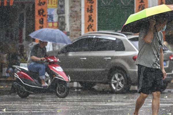 江淮等地新一輪強降雨來襲 京津冀或現持續高溫天