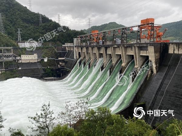 """一组数字看长江流域降雨有多""""暴力"""" 这里一天下了北京一年的雨"""