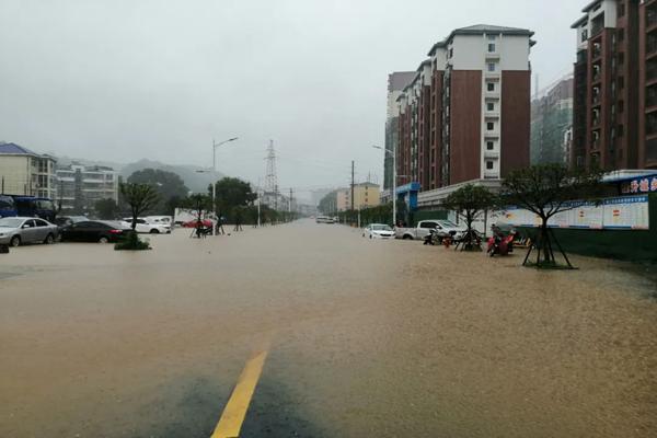 南方强降雨贯穿本周 华北雨中迎清凉