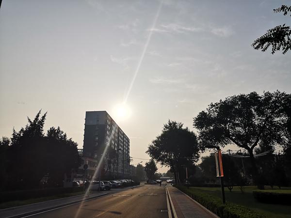 今后三天北京仍多分散性阵雨或雷阵雨 气温偏高体感闷热