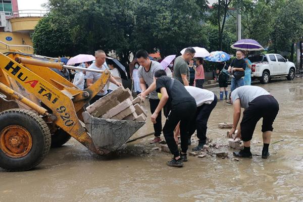 """江淮江南等地雨勢仍強 華南高溫""""持久戰""""還在繼續"""