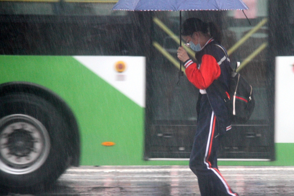 今天南方強降雨暫歇 明起黃淮多地暴雨來襲