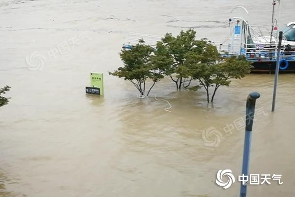 四川現罕見特大暴雨局地單日雨量破紀錄 明天起降雨減弱