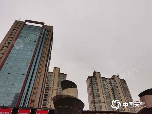 甘肃河东今明天阴雨持续气温低 河西有4至5级大风