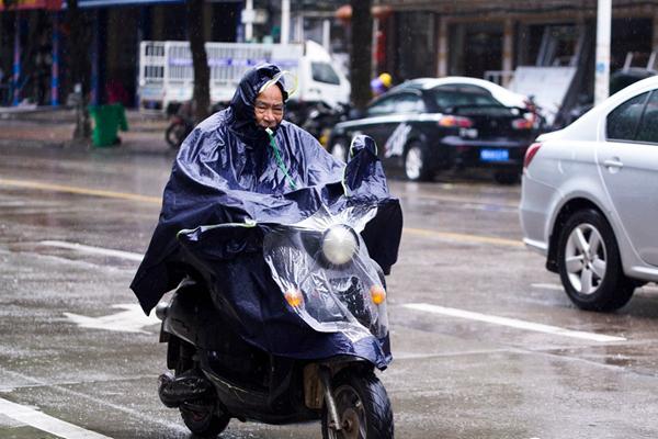 冷空气南下南方开启降温模式 华西秋雨缠绵